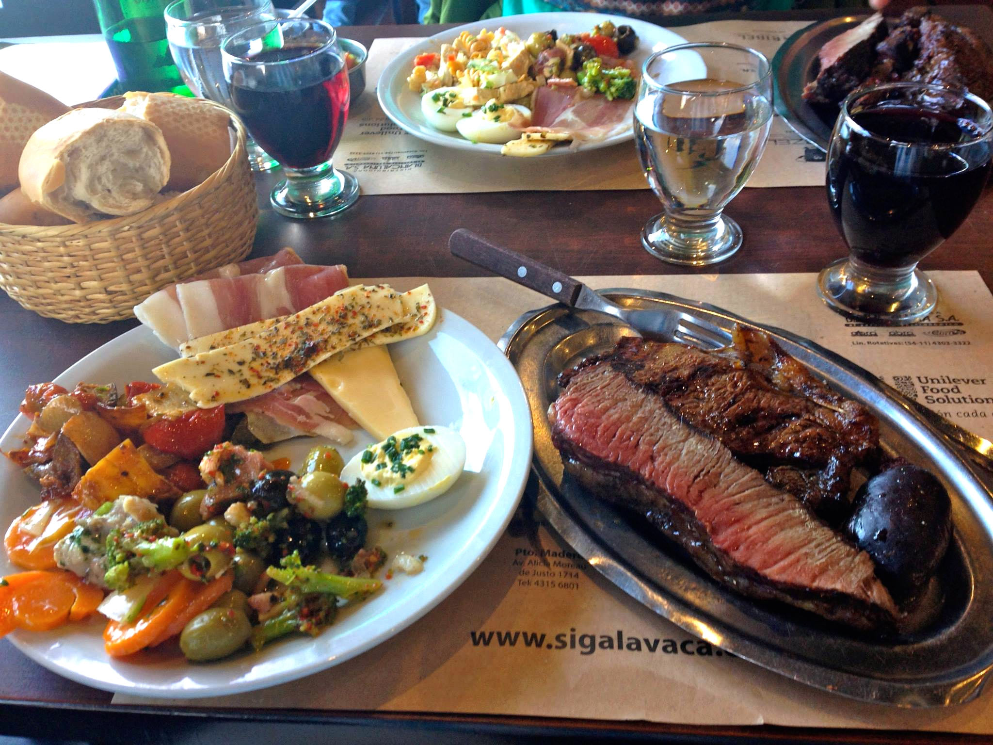 Red meat & red wine  - everyday Argentina diet