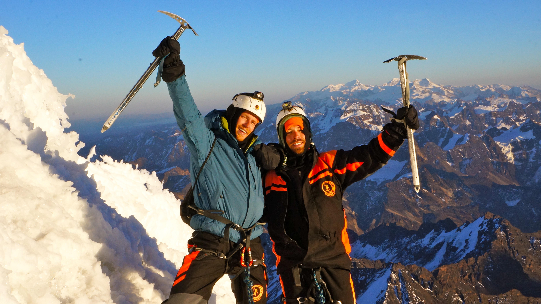 My bro and I overcome w/ joy at the top - Mi hermano y yo extasiados